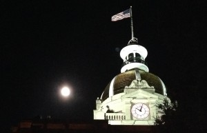 The bad moon rises over Savannah City Hall.