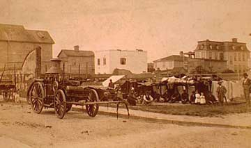 photo of horse-drawn fire engine