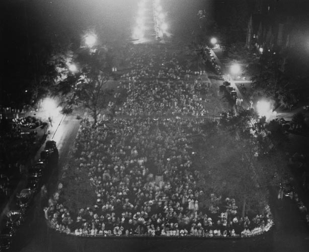 A view of the crowd at the 1939 vocarillon concert.